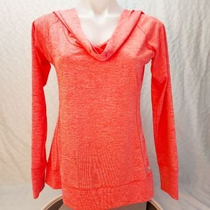 Sporty thin orange hooded sweatshirt for fitness